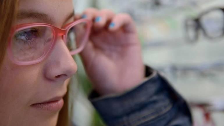 Kako prepoznati jesu li vam potrebne naočale? …
